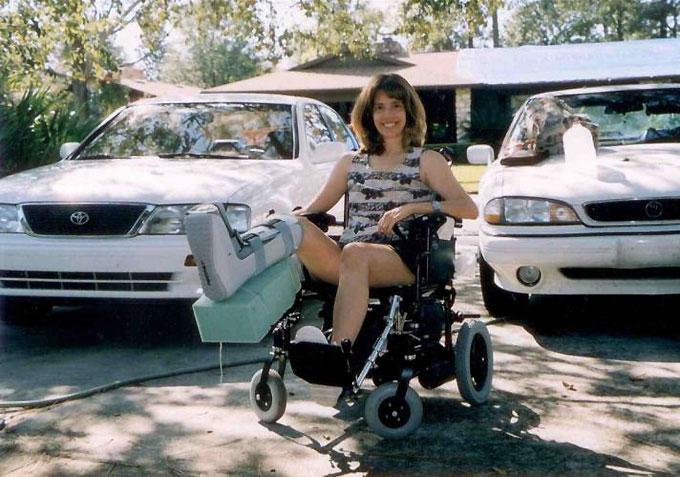 Дебби Саламон (Debbie Salamone) - жертва нападения акулы