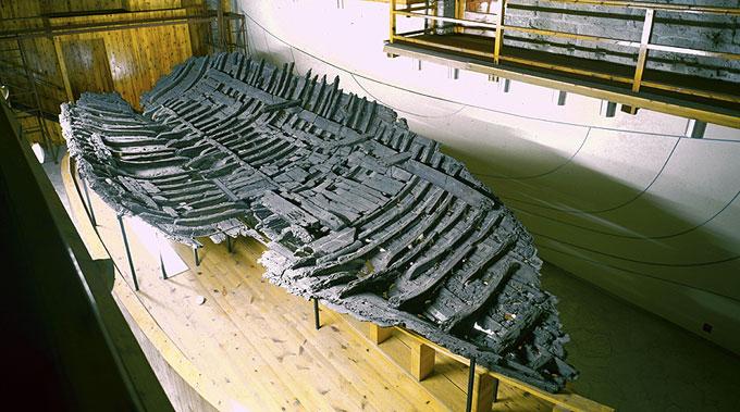 Обшивка древнего деревянного корабля