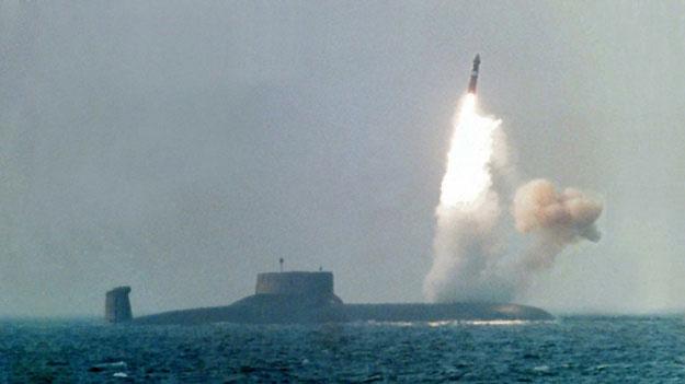 Запуск межконтинентальной баллистической ракеты Булава Р-30