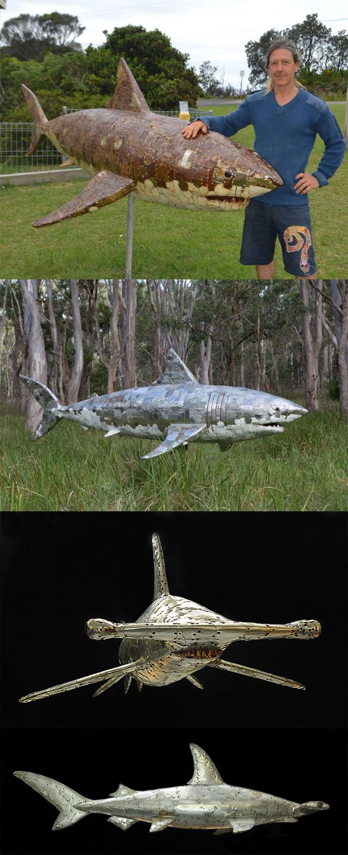 Скульптуры жестяных акул из металлолома