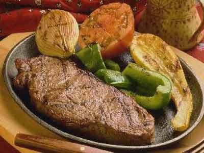 Рецепт - Катран на решетке с помидорами и цуккини