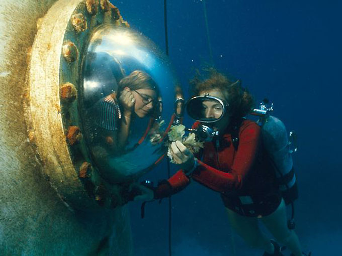 Фото: Изучение моря - погружение в субмарине