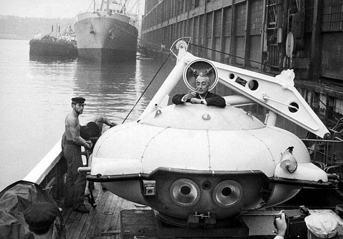 Фото: Жак-Ив Кусто в глубоководной субмарине